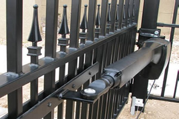 AUTOMATIC GATE OPERATORS